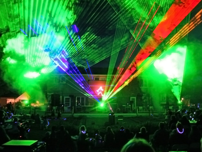 Lightwave deploys over 200 Watts of simultaneous full color lasers to large-scale outdoor festivities, installations, and tours worldwide as the nation celebrates the 4th of July.